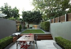 Small Backyard Patio Ideas Patio Ideas for Small Backyards Small Backyard Patio Ideas. Ideas for small backyard patios are endless! Don't be discouraged if your backyard is tiny and you think… Small Patio Spaces, Small Outdoor Patios, Outdoor Patio Designs, Small Backyard Landscaping, Modern Landscaping, Garden Spaces, Backyard Patio, Patio Ideas, Garden Ideas