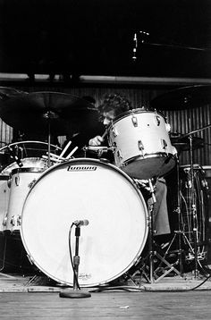 http://custard-pie.com/ John Bonham and his rather large Ludwig drum kit that was a rather big part of the Led Zeppelin sound.