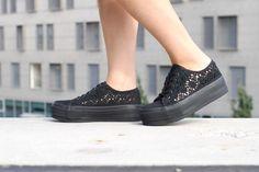 Noodles - Jet crochet #platform Noodles, Women's Shoes, Jet, Platform, Slip On, Crochet, Sneakers, Fashion, Macaroni