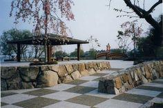 野面石積み(材料:丹波生野石) Landscape Walls, Pergola, Sidewalk, Outdoor Structures, Patio, Japan, Stone, Outdoor Decor, Ideas
