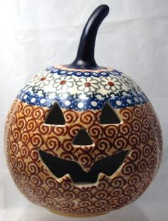 "7"" Polish Pottery Stoneware Pumpkin Halloween Jack-o'-lantern Unikat EOS Early October Orange by Manufaktura, http://www.amazon.com/dp/B005DIB2PQ/ref=cm_sw_r_pi_dp_tgeNpb0JEKEGS - ME the Polish Cook NEEDS this to add to my Polish stoneware collection!"