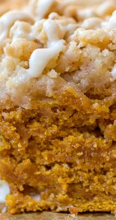 Pumpkin Coffee Cake ~ Super moist, slightly dense and crumbly, just as a prefect coffee cake should be. It's super flavorful due to all of the pumpkin + spices working their magic together. This pumpkin coffee cake is the perfect Fall breakfast treat! Pumpkin Coffee Cakes, Pumpkin Dessert, Pumpkin Bread, Pumpkin Spice, Sugar Pumpkin, Pumpkin Pumpkin, Pumpkin Crumble Cake, Pumpkin Butter, Köstliche Desserts