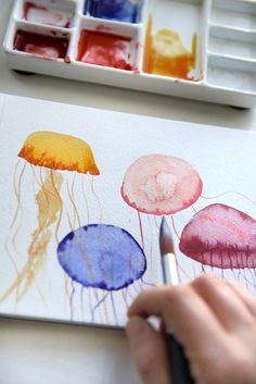 Easy Watercolor Tutorials Summer Sun Home Art Therapeutic Watercolor Watercolor Paintings For Beginners, Watercolor Art Lessons, Watercolour Tutorials, Watercolor Cards, Watercolor Brushes, Watercolour For Kids, Simple Watercolor Paintings, Watercolors, Simple Watercolor Flowers