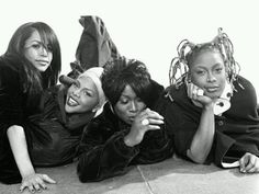 "aaliyah 5'5"", lil kim 4'11"", missy elliot 5'1"", da brat 5'5"".... Lil kim really is lol kim!"