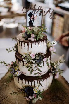Wedding Locations, Wedding Vendors, Wedding Cakes, Wedding Cake Vintage, Green Cake, Wedding Cake Inspiration, Drip Cakes, Buttercream Cake, Wedding Colors