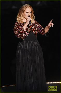 Adele Receives Standing Ovation for George Michael Tribute at Grammys 2017 - Watch Now!