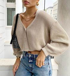 Marie-Lou Duvillier on Sweater-weather Marie-Lou Duvillier on Sweater-weather Mode Outfits, Casual Outfits, Fashion Outfits, Fashion Ideas, Fashion Clothes, Fashion Tips, School Outfits, Basic Outfits, Style Clothes