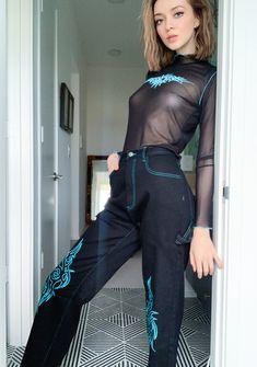 Egirl Fashion, Fall Fashion Outfits, Korean Fashion, Skater Girl Outfits, Wide Leg Jeans, Women's Jeans, Alternative Fashion, Aesthetic Clothes, Diy Clothes