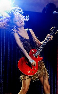 I say can you believe it? As we're lying on the couch The moment I could see it Yes, yes, I can see it nowTaylor