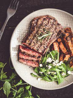 Rozmarynowy stek z pieczonymi batatami Tuna, Dinners, Fish, Meat, Kitchen, Dinner Parties, Cooking, Food Dinners, Pisces