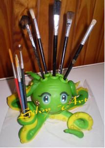Pulpo porta-lapices Pot A Crayon, Pasta Flexible, Pencil Holder, Clay Projects, Clay Creations, Octopus, Quilling, Art Drawings, Diy And Crafts