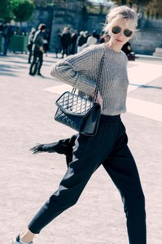 A Cozy Cool Look For The Girl On-The-Go | Le Fashion | Bloglovin'