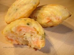 Madeleines with smoked salmon, Recipe Ptitchef Source by rahmounirichard Fingers Food, Fingerfood Party, Köstliche Desserts, Smoked Salmon, Salmon Recipes, Chorizo, Food Inspiration, Love Food, Quiche