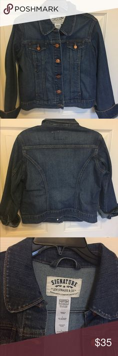 Levi Strauss Signature Denim Jacket Size L Excellent used condition medium wash denim jacket.  No signs of wear, like new. Signature by Levi Strauss Jackets & Coats Jean Jackets