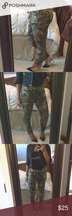 Camouflage Zara Jeans!! Low rise camouflage skinny jeans with functioning side and back pockets! These are a size 8 but do not stretch and run small! Gently used condition! Zara Jeans Skinny