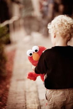 elmo- I want a pic like this of Rylan!