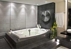 bañera con escalones