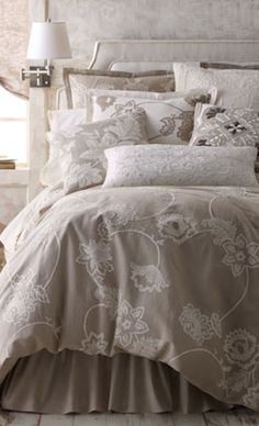 beautiful beige bed linens http://rstyle.me/n/s7zz9r9te