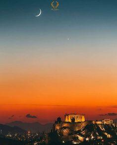#Athens #Greece !!! Wishing everyone a nice and relaxing Sunday evening… Cheers from #BlueCollection #Mykonos  #ComeWithTheBest #ExclusiveClub #Followme #LuxuryVilla #MykonosVillas #LuxuryLifeStyle #Summer2018 #LuxuryServices #MMXVIII #LuxuryConcierge #Luxury #LuxuryLife #LifeStyle #Summer #YachtLife #SuperYacht #MegaYacht