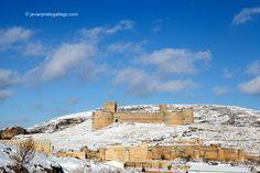 Imagen invernal del castillo y murallas de Berlanga de Duero. Soria. Castilla y León. España. © Javier Prieto Gallego;