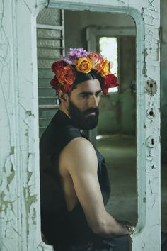 Giuliano by Debora Phota Pretty People, Beautiful People, Flower Beard, Mode Boho, Male Photography, Flower Boys, Bloom, Man Photo, Male Beauty