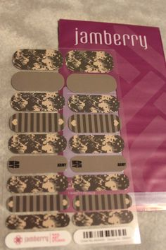 Jamberry Nail Art Studio EXCLUSIVE - Army/Digital Camo Mixed Mani https://t.co/SbO9ysfIqX https://t.co/XiJg3bpMkn