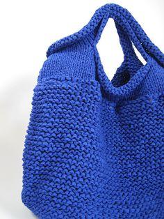 HAND KNIT BAG/BLUE | Flickr: Intercambio de fotos