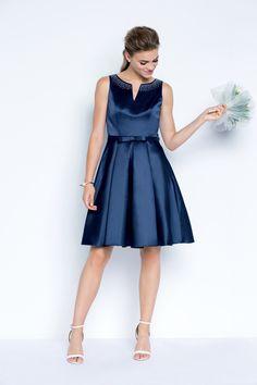 La robe cemeline à 39€99 ! #dress  #blue #woman #femme #shoot #shooting #model #mode #fashion #tati #inspiration #cocktail