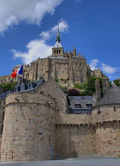 Mont Saint-Michel, the Castle ! Most Romantic Places, Beautiful Places In The World, Most Beautiful Cities, Places Around The World, Around The Worlds, Mont Saint Michel France, Le Mont St Michel, Best Vacation Destinations, Best Vacations
