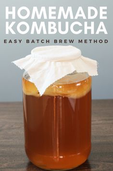 Make homemade kombucha using the batch brew method. Batch brewing kombucha is easy and perfect for beginner kombucha brewers. Kombucha is fermented tea is the result is a delicious fizzy beverage that contains beneficial bacteria and acids. Fermented drinks are great alternative to soda. #kombucha #homemade #brewing #ferment #fermented #healthy #whole30 #paleo