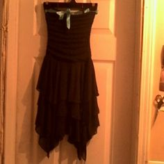 YOUTH GIRL/YOUNG ADULT BYER GIRL DRESS PETITE/sz.8 Very cute! Pictures does not give this dress justice! Can be worn strapless by tucking in or wear with straps. Black CONTOUR dress from bust to waist sorta ruffles with seam down middle, a must see to appreciate! Trim top with turquoise silk bow just on front. Bottom is three big ruffles down then a zig zag bottom. Sorta of too sexy for a preteen, lol but will fit snug on a petite young lady around approx. 100 lbs. Or less to give you more…