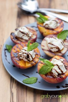 Grilled Peaches with Ricotta and Balsamic Glaze | Desserts and Sweets | Grab Your Spork
