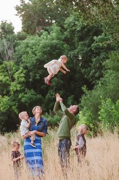 27 ways to pose a family! Probably my favorite collection of family pic ideas! need another baby to do this.....that is the highest I've ever seen!
