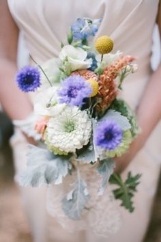 lovely, simple bouquet // photo by tandcphotographie.com