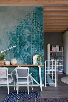Wall & Decò - Carte da parati per l'arredo contemporaneo - I'm crazy about this faux turquoise antique rug wallpaper