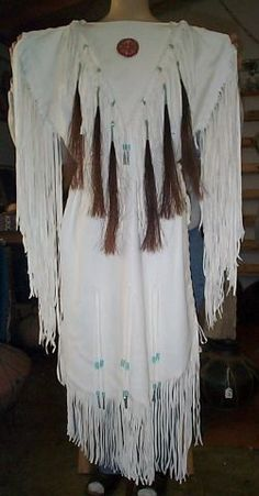 White hides suede side out deer/elk hide dress beaded rosette, horse hair… Native American Regalia, Native American Wedding, Native American Clothing, Native American Wisdom, Native American Beauty, American Indian Art, Native American History, American Apparel, Sioux