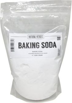 Baking Soda, 50 manieren om dit wondermiddel te gebruiken - Firma Huishouden Best Picture For vegan baking For Your Taste You are looking for something, and it is going to tell you exactly what you ar Home Remedies, Natural Remedies, Cleaning Painted Walls, Tips & Tricks, Vegetable Drinks, Simple Life Hacks, Natural Cleaning Products, Spring Cleaning, Clean House
