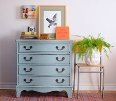 Chalk Paint® in Duck Egg Blue with Clear Chalk Paint® Wax | Lovely modern project by Annie Sloan Painter in Residence Poppyseed Creative Livving