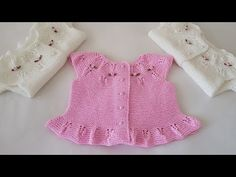 One year old girl dolls you can learn for everyone strawberry vest model . Baby Cardigan Knitting Pattern Free, Baby Knitting Patterns, Baby Patterns, Knitting Videos, Crochet Videos, Crochet For Kids, Knit Crochet, Winter Baby Clothes, Knit Baby Sweaters