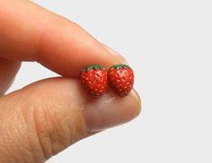 Food Jewelry Strawberry Earrings Strawberry by QBeesJewelryNThings