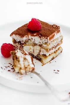 Tiramisu Cake Photography, Beautiful Cakes, Food And Drink, Sweets, Cooking, Ethnic Recipes, Kitchens, Pretty Cakes, Sweet Pastries