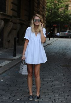 wear Neue Chanel Espadrilles «CzechChicks Forever Changing the St. Short Jeans, Summer Outfits, Casual Outfits, Fashion Outfits, Chanel Espadrilles Outfit, Black And White Espadrilles, Moccasins Outfit, Pretty Dresses, Barbie Dream
