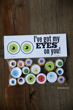 Halloween Eyeballs and Treat Bag Topper by The Idea Room. Make It Now in Cricut Design Space