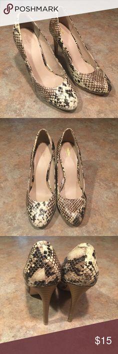 Mossimo Snakeskin Pumps Heels Mossimo Snakeskin Pumps Heels - size 7. Great condition! Mossimo Supply Co Shoes Heels