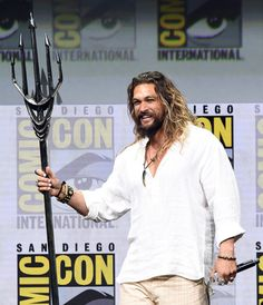 jasonmomoadaily:    Jason Momoa @ Warner Brothers Panel, Comic-Con International, San Diego — July 22, 2017