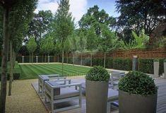 Garden designed by Luciano Giubbilei, in Hampstead. UK.