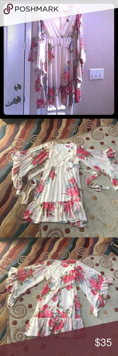 Betsey Johnson Bohemian Floral Bell Sleeve Dress Betsey Johnson Bohemian Floral Bell Sleeve Dress in Size 10 Betsey Johnson Dresses