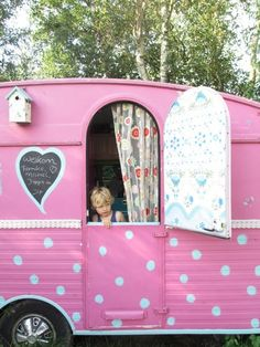 our holiday in this cute pink caravan - http://www.3akers.nl/