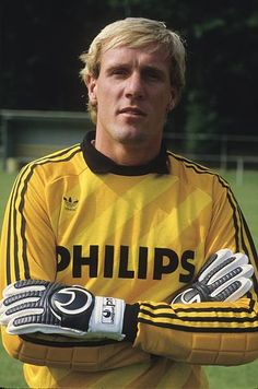 Hans van Breukelen during the team presentation of PSV on July 15 1985 at Eindhoven Netherlands Goalie Gloves, Football Gloves, Football Kits, Football Cards, Vintage Jerseys, Vintage Football, Team Presentation, Classic Football Shirts, All Star
