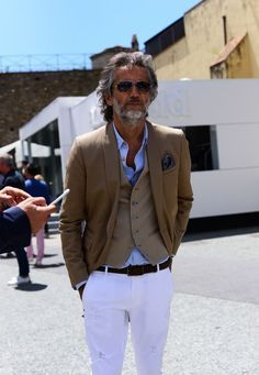 Most up-to-date No Cost older Mens fashion Tips , Older Mens Fashion, Suit Fashion, Fashion Outfits, Fashion Styles, Fashion For Men Over 50, Boy Fashion, Mode Man, Herren Outfit, Mature Men